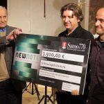 Juan Cruz-Guevara, recogiendo el premio New Note en Zagreb, Croacia