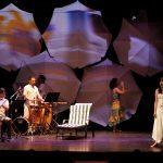 """Momentos del estreno de la """"Mujer de la sombrilla"""" Teatro Apolo, Almería"""